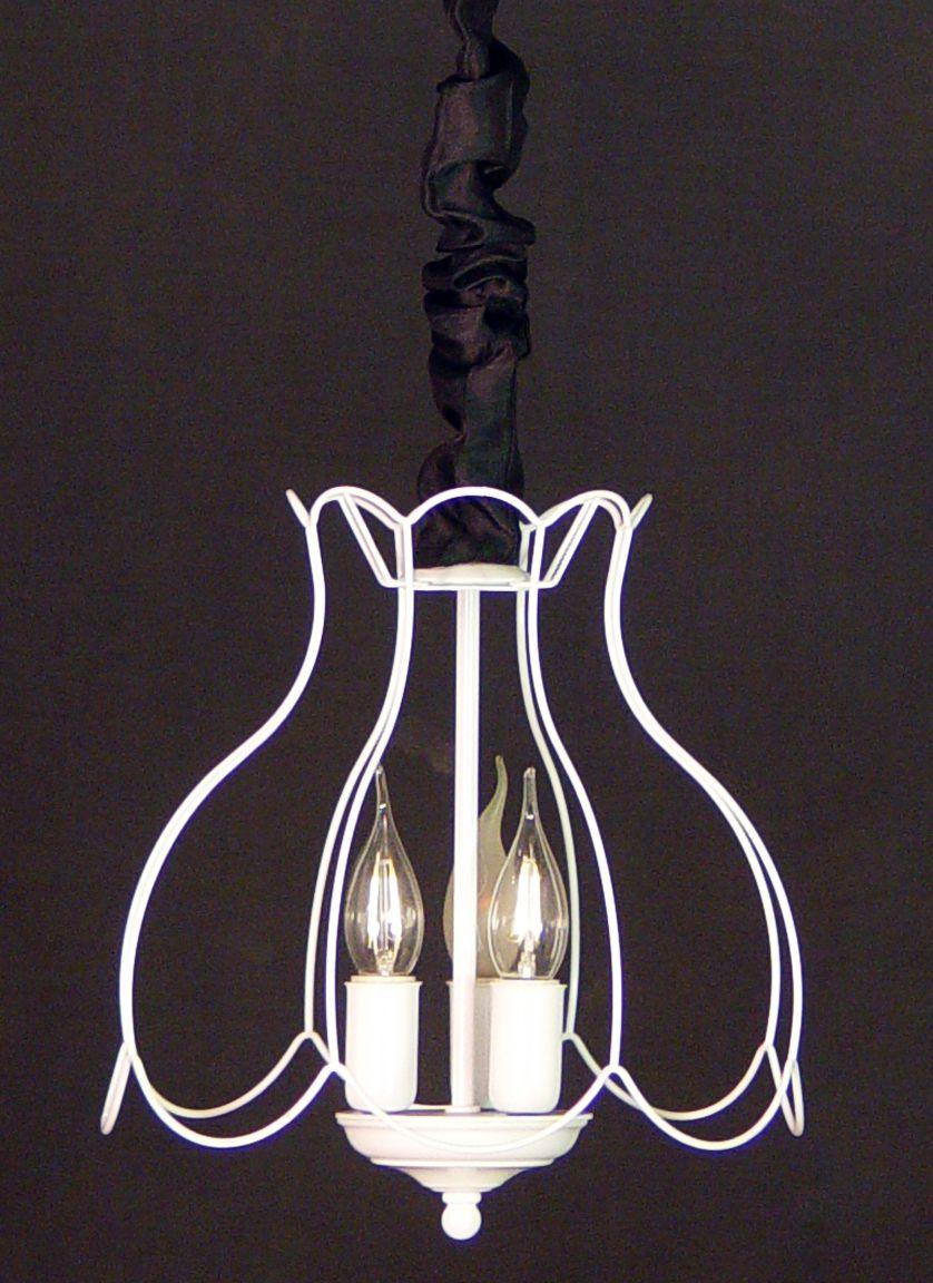 lampara con varillas de metal