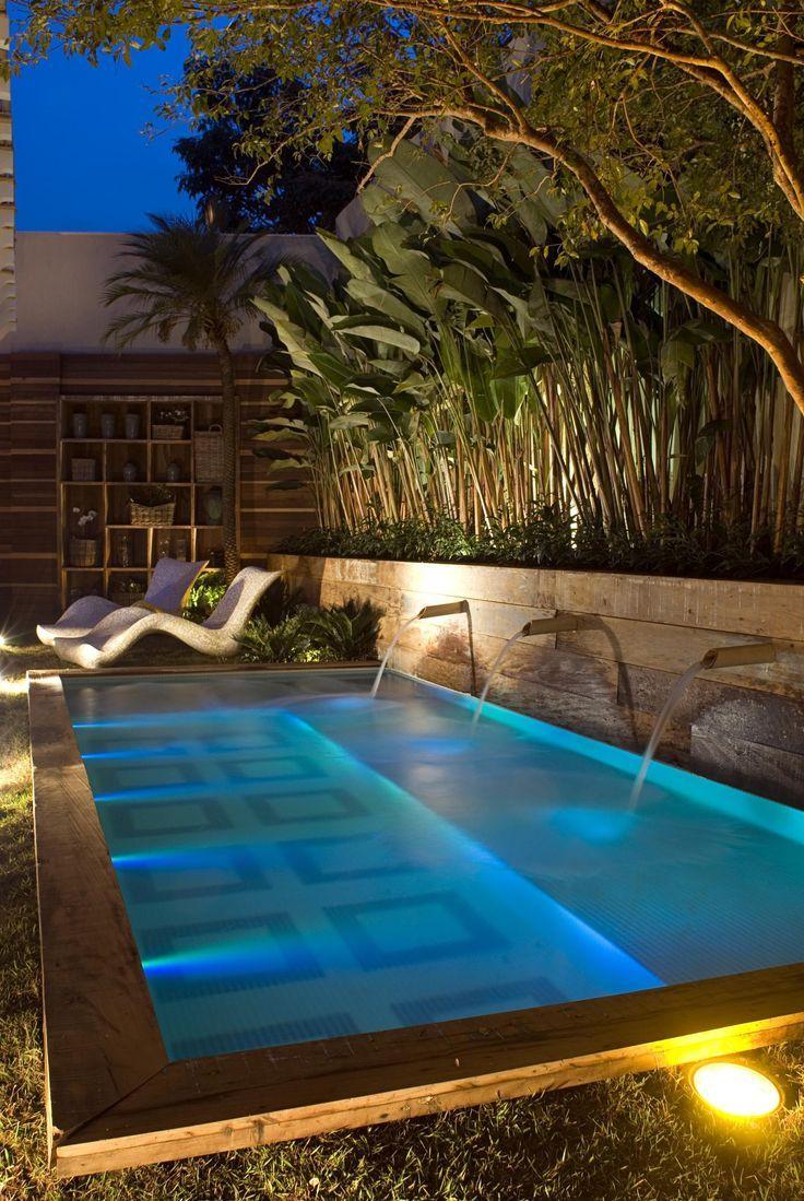 C mo iluminar la piscina lamparas sevilla for Luces led para piscinas