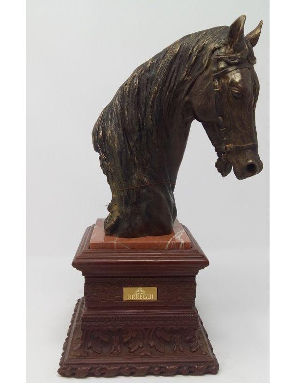 Urregui Escultura Cabeza de Caballo