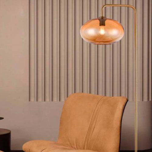lámparas de pie de diseño vintage